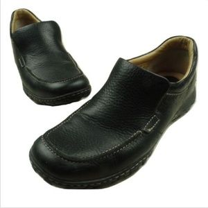 Born Mens Loafers Size 9.5 M Black Pebbled Leather